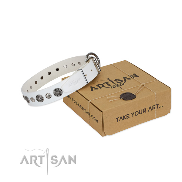 White leather FDT Artisan dog collar made of quality materials