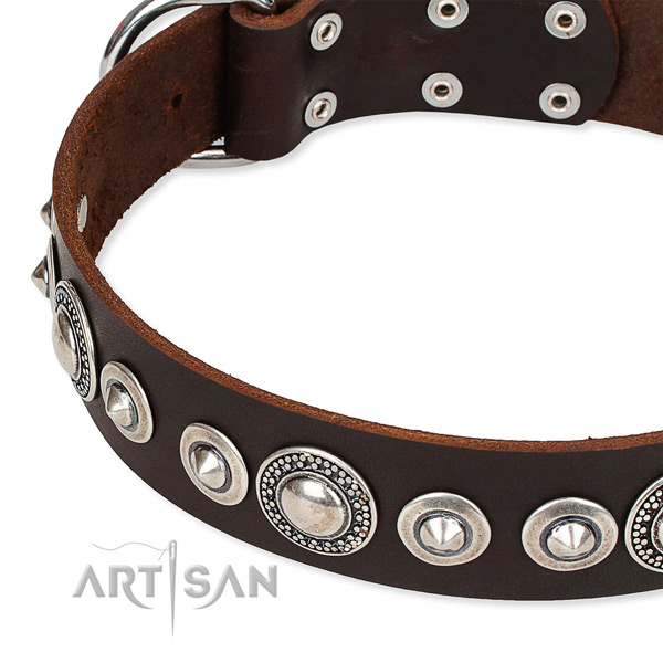 Non-rubbing brown leather dog collar