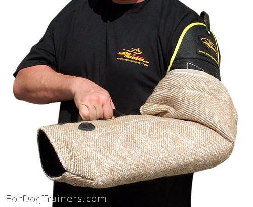 Intermediate dog bite sleeve made of Jute